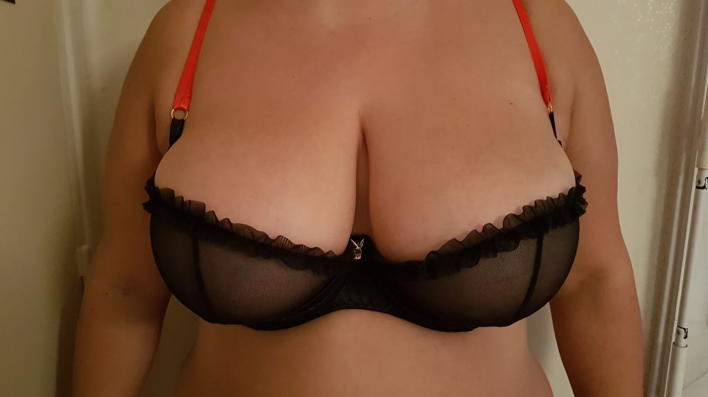 Poitrine avec lingerie sexy